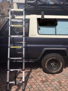 Outback gear dakrek - daktent ladder uit